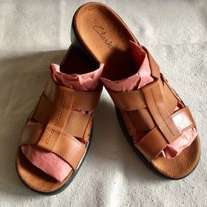 Clarks Leather T-Straps Cognac Heels Sandals